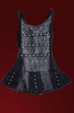 Corsetto nero gotico dark con fibbie e gonna