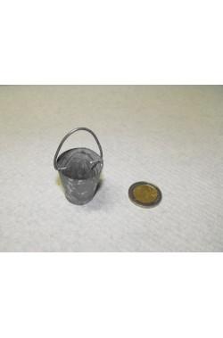 Accessori presepe contadino:Secchio in metallo con manico
