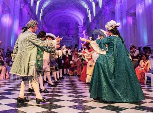 Gran Ballo di Corte in Costume carnevale veneziano fuori periodo a Torino