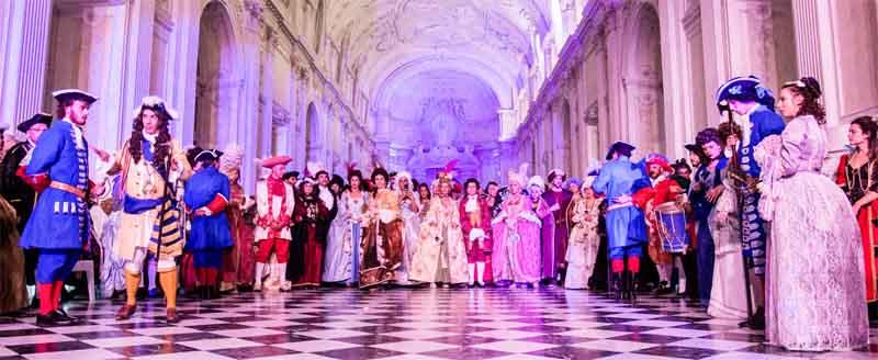 Tutti in costume di carnevale storico veneziano alla Nuit Royale