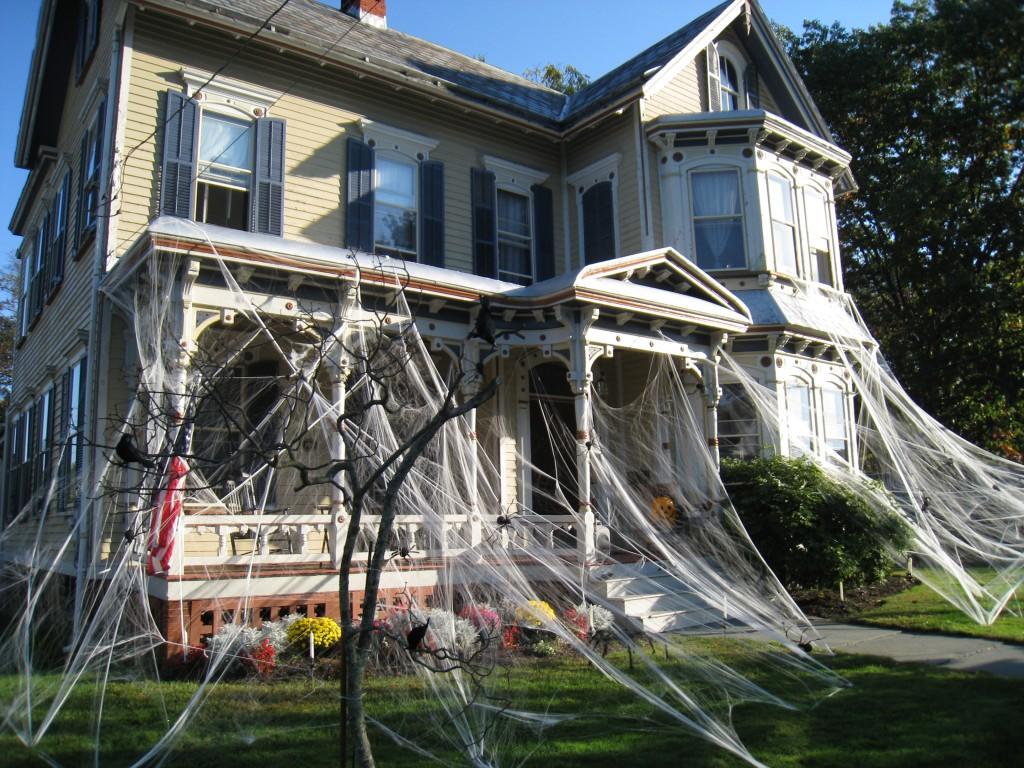 Idee per halloween: allestire in maniera originale il tuo giardino ...