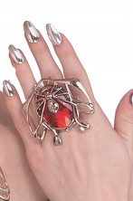 Anello gotico con coleottero a rubino