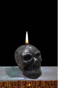Candela halloween a forma di teschio grigio