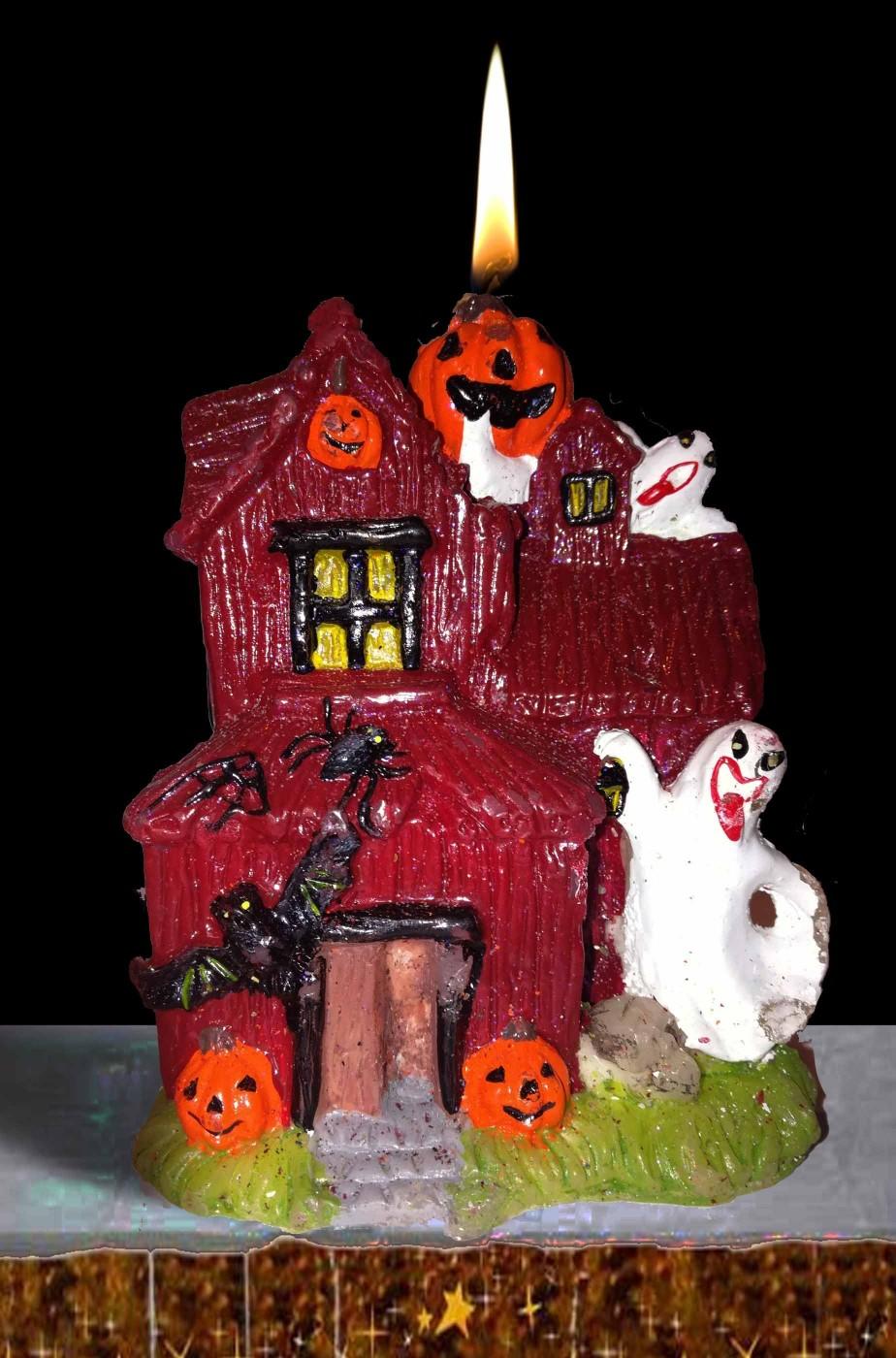 Candela halloween a casa stregata con personaggi