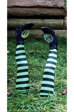 Decorazione Halloween da giardino:gambe di strega che escono da terra verdi e nere