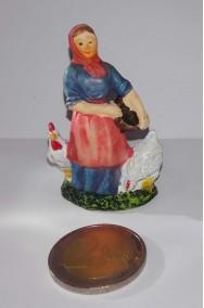 Figurina Presepe in plastica (cm 5,5) contadina con galline