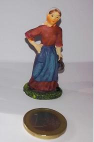 Figurina Presepe in plastica (cm 5,5) contadina con caraffa