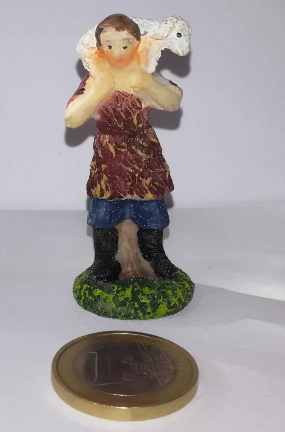 Figurina Presepe in plastica (cm 5,5) pastore con pecora in spalla