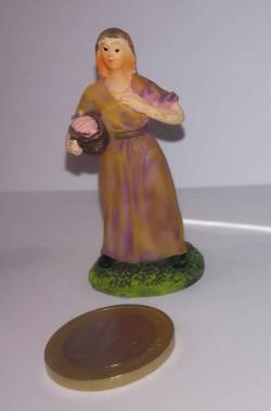 Figurina Presepe in plastica (cm 5,5) contadina con cestino
