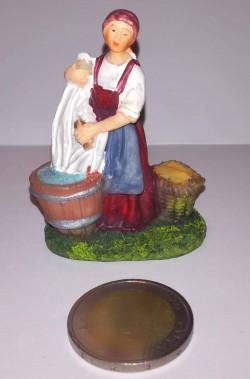 Figurina Presepe in plastica (cm 5,5) lavandaia