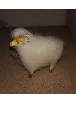 Accessori presepe pastore:caprone,montone con corna in lana vera bianco