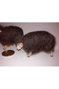 Statuine del presepe gregge di tre pecore marroni in lana vera
