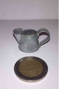 Accessori presepe contadino:Brocca in metallo