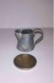 Accessori presepe contadino:Brocca in metallo stretta