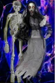 Allestimento decorazioni Halloween da appendere sposa cadavere e marito scheletro