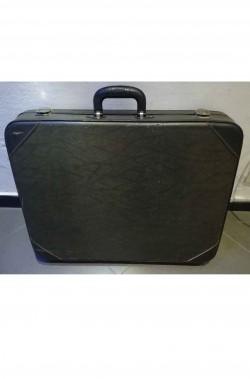 Oggetto di scena valigia vintage rettangolare
