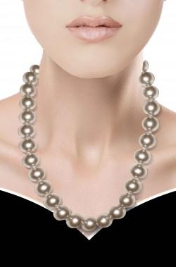 Collana di perle finte grandi bianche con fermaglio dorato