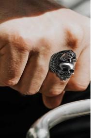 Anello biker con teschio con ali in metallo con misura regolabile