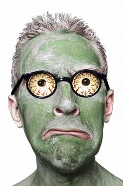 Occhiali da zombie con occhi a palla e sguardo iniettato di sangue