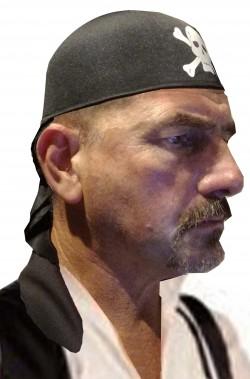 Cappello a bandana nera da pirata con teschio