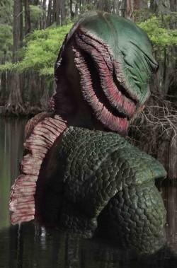 Addobbo Halloween da giardino grande mostro della laguna che esce da terra o acqua