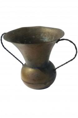 Brocca di rame a vasetto