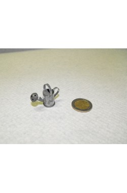 Accessori presepe contadino:Innaffiatoio in metallo piccolo