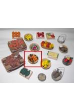 Accessori presepe fruttivendolo:cestino con carote realizzato a mano