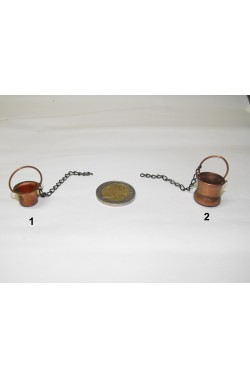 Ambientazione presepe: paiolo in rame piccolo con catenella (foto n.1)