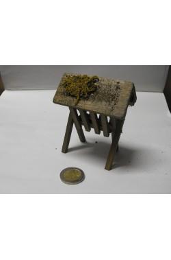 Ambientazione presepe: Capannetta piccola per fieno in legno