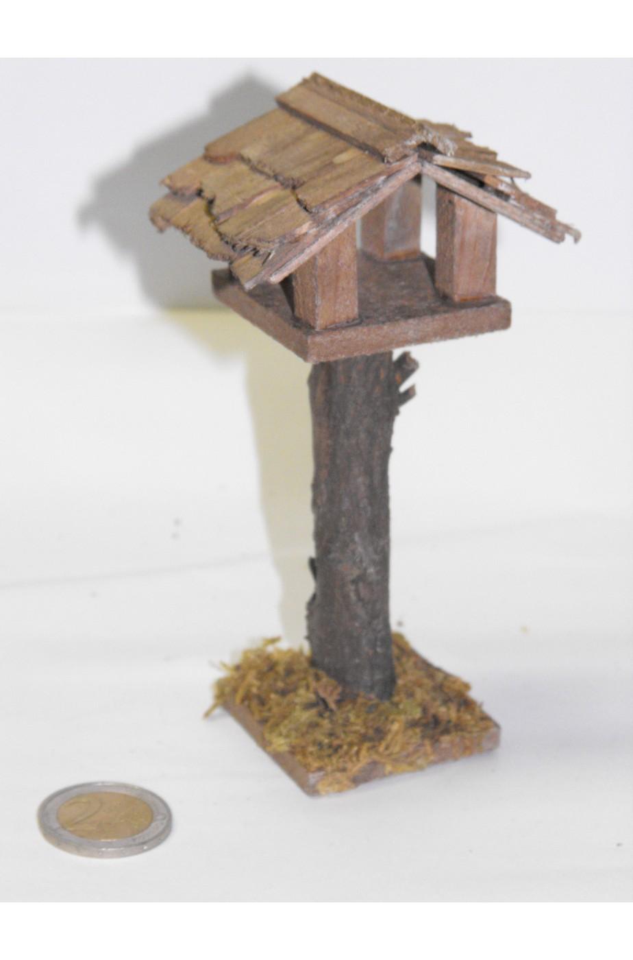 Ambientazione presepe:casa degli uccelli piccola in legno