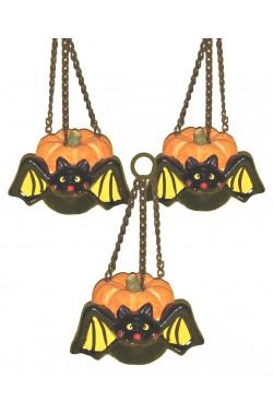 Zucchette in terracotta con pipistrello da appendere con catenella