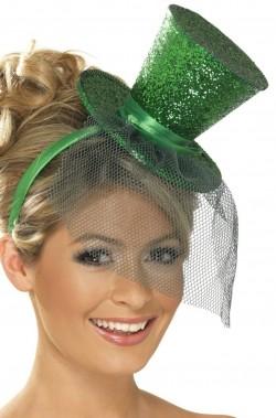 Cappello burlesque in paillette su cerchietto verde
