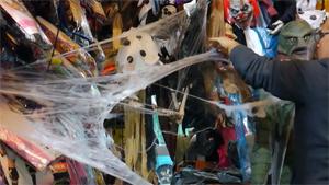 L'immagine mostra come decorare casa ad halloween 2020